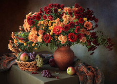 Still life with a bouquet of chrysanthemums (Tatyana Skorokhod) Tags: stilllife bouquet flowers chrysanthemums fruits grapes decor indoors