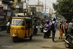Arcot Road,Virugambakkam (ppaulvadivu) Tags: paulvadivu chennai india virugambakkam market streetphotography