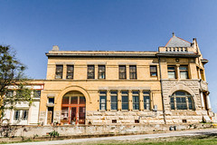 1896 Farmers and Merchants Bank Pilot Point, TX 0156 (3Bs7Gs) Tags: smalltowntexas pilotpointtexas bankbuildings oldbankbuildings texasarchitecture year1896