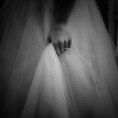 . (AnneStany) Tags: robe mariage marié hand maried dress blackwhite noirblanc ring bague monochrome love amour