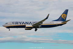 Ryanair B737-8AS EI-FZT (José M. Deza) Tags: 20190201 b7378as bcn boeing eifzt elprat lebl planespotting ryanair spotter aircraft