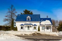 190309 Les belles résidence de Saint-Benoit (Mirabel)      -8481 (Serge Léonard) Tags: batiments bâtimentrésidentiel