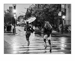 Les deux fantastiques. (francis_bellin) Tags: 2018 déguisement octobre streetphoto blackandwhite street bw halloween rue photoderue noiretblanc nuit parapluie montréal
