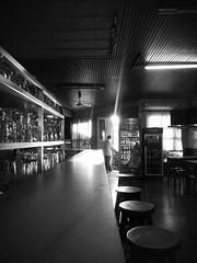 Por algún lugar de Montevideo... (El Pibe Martin) Tags: copas boliche blancoynegro bares bar montevideo uruguay