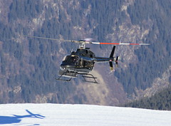 IMG_3751 (Tipps38) Tags: hélicoptère aviation photographie montagne alpes avion courchevel neige helicopter 2019 planespotting