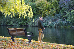 Fishing The Avon, Stratford-Upon-Avon 02/11/2018 (Gary S. Crutchley) Tags: stratford stratforduponavon upon avon warwickshire river fishing autumn uk great britain england united kingdom nikon d800 travel raw