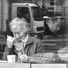 CAREFUL: Lorry coming through.... (markwilkins64) Tags: streetphotography street candid cafe london strand thestrand smile lorry lady gentleman reflection mono monochrome blackandwhite bw coffee coffeeshop working markwilkins mark