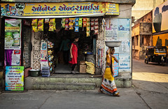 DIU : DANS LA RUE (pierre.arnoldi) Tags: inde diu gujarat photoderue photooriginale photocouleur photodevoyage photographequébécois photographesurinstagram photographesurtumblr photographesurwordpress on1photoraw2019 canon6dmarkii pierrearnoldi