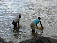 Young girls fetching water (Linda DV) Tags: lindadevolder africa 2018 lumix travel geotagged nature kenya fauna baringo lake