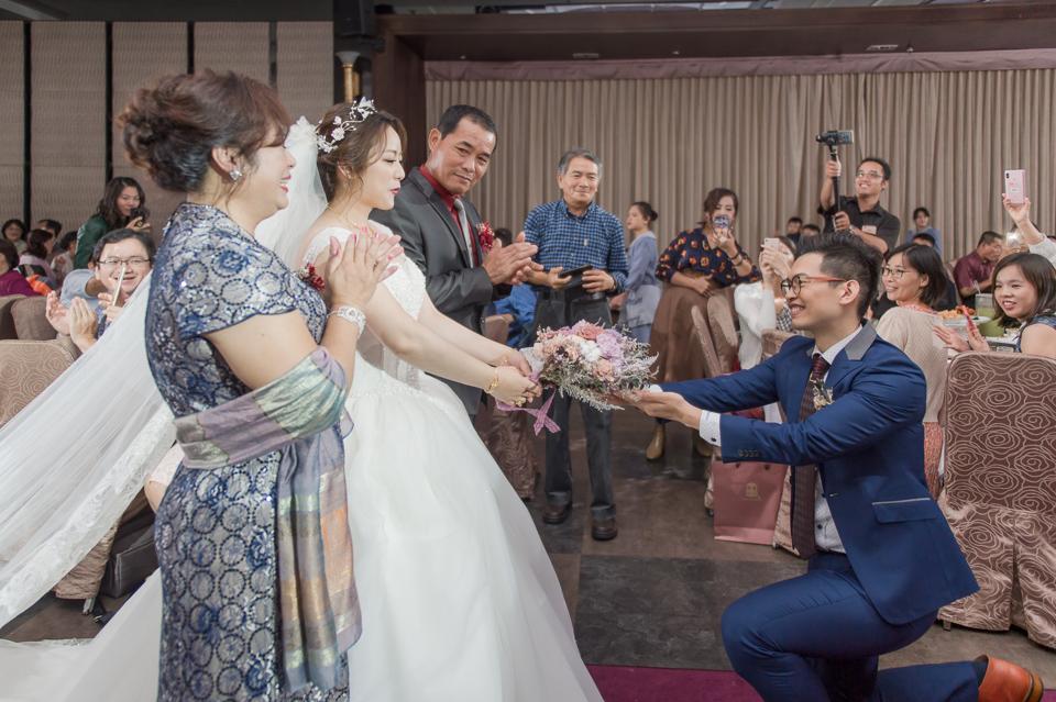 台南東東宴會式場 婚宴 走在幸福的紅毯上 R & B 115