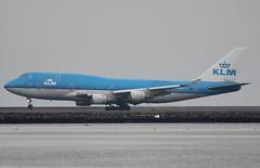 PH-BFI KLM Boeing 747-406(M) (BayAreaA380Fan Photography) Tags: unitedairlines unitedexpress embraer emirates embraererj175lr boeing airbus boeing737 boeing747 boeing757 boeing767 boeing777 737 747 757 767 777 787 dreamliner boeing787 airbusa330 airbusa319 airbusa380 airbusa320 airbusa321 airbusa350 a319 a320 a321 airbusa340 a340 a350 a380 superjumbo deltaairlines interjet alaskaairlines moretolove allnipponairways staralliance ana aircanada aircanadajetz southwestairlines cathaypacific koreanair aeromexico japanairlines klm klmroyaldutchairlines icelandair virginamerica virginatlantic americanairlines americaneagle qantas evaair privatejet britishairways airfrance lufthansa wheelsup beechb300superkingair350 fedex planespotting sanfranciscointernationalairport sfo ksfo