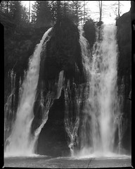 burney falls on 4x5 film (Garrett Meyers) Tags: autograflex4x5 garrettmeyers garrett meyers largeformat landscape lf graflex graflex4x5 outdoors snow blackandwhitefilm film filmphotographer burney falls