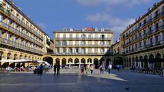 Place de la Constitution (BrigitteChanson) Tags: espagne paysbasque donostia saintsébastien sansebastian place plaza piazza