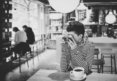 Un instant (Pavel Valchev) Tags: 28mm fe28 sony af lens woman sofia bulgaria a7rii ilce fe cafe