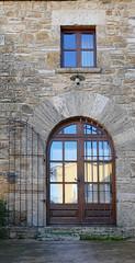 CORTS - PORTA I FINESTRA (Joan Biarnés) Tags: corts pladelestany girona catalunya casa portas puertas finestras ventana 294 panasonicfz1000