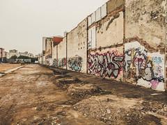 L´Hospitalet, zona industrial (efe Marimon) Tags: canonpowershots120 felixmarimon barcelona l´hospitalet carreteradelmitch zonaindustrial grafitti