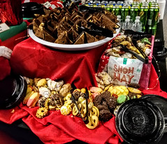 (cafe_services_inc) Tags: cafeservicesinc comcastnewcastle holidayparty holiday2018 cookies chocolate dessert water soda hotchocolate hotchocolatebar beverage