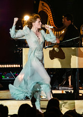 Florence and the Machine 12/09/2018 #10 (jus10h) Tags: florence welch themachine florenceandthemachine theforum forum inglewood losangeles california live music concert festival fest kroq almost acoustic christmas sunday december 9 2018 justinhiguchi sony dscrx10 dscrx10m3