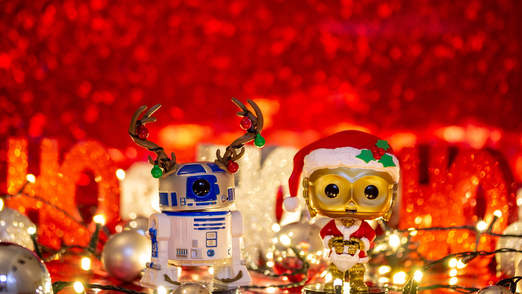 f83d1cecc4359 Holiday R2D2 and C3PO (paulbidwell) Tags  red christmas holiday starwars star  wars funko