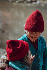 Women on the Bagmati (danielhibell) Tags: kathmandu nepal travel asia discover explore world street streetphotography people religion culture ambience mood buddhism hinduism colour light praying moving special