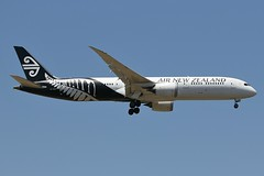 ZK-NZD Air New Zealand Boeing B787-9 Dreamliner (johnedmond) Tags: perth ypph westernaustralia newzealand boeing b787 7879 dreamliner australia aviation aircraft aeroplane airplane airliner plane canon eos7d 7dmkii 100400mm ef100400mmf4556lisiiusm