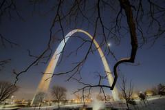 St. Louis Gateway Arch (6) (Michael Shoop) Tags: michaelshoop stlouis saintlouis missouri usa canon canon7dmarkii stlouisarch arch gatewayarch jeffersonnationalexpansionmemorial architecture winter snow night