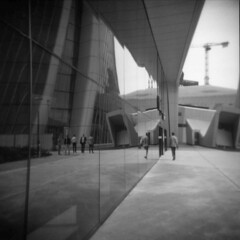 Milano (Valt3r Rav3ra - DEVOted!) Tags: holga holgacfn lomo lomography streetphotography street ilford ilfordfp4 milano medioformato mediumformat analogico analogica analog analogue film 120 6x6 bw biancoenero blackandwhite valt3r valterravera visioniurbane urbanvisions