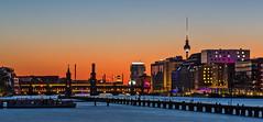 Berlin (FH   Photography) Tags: berlin deutschland europa spree hauptstadt skyline mediaspree oberbaumbrücke kreuzberg friedrichshain fernsehturm büros immobilien abends sonnenuntergang wahrzeichen zollsteg brücke häuser architektur himmel