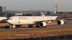 Airbus A340 -642 SOUTH AFRICAN AIRWAYS ZS-SNE 534 Francfort septembre 2018 (Thibaud.S.) Tags: airbus a340 642 south african airways zssne 534 francfort septembre 2018 100yearsthenelsonmandelalegacy sticker