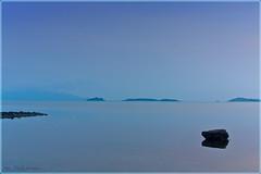 Ko Samui Blue Dawn (Rita Eberle-Wessner) Tags: meer ocean sea bucht bay insel island inseln islands wasser water stone stein kosamui suratthani thailand bangrakbeach ozean blue blau beforesunrise morgendämmerung dawn landschaft landscape seascape