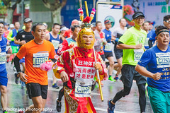 LD4_9681 (晴雨初霽) Tags: shanghai marathon race run sports photography photo nikon d4s dslr camera lens people china weekend november 2018 thousands city downtown town road street daytime rain staff