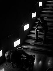 on disait que je te prenais en photo... (objet introuvable) Tags: blackandwhite bw noiretblanc nb street streetview lumixgx8 lumière light ombres ombre shadow lignes escalier stairs photo photography contrast contraste