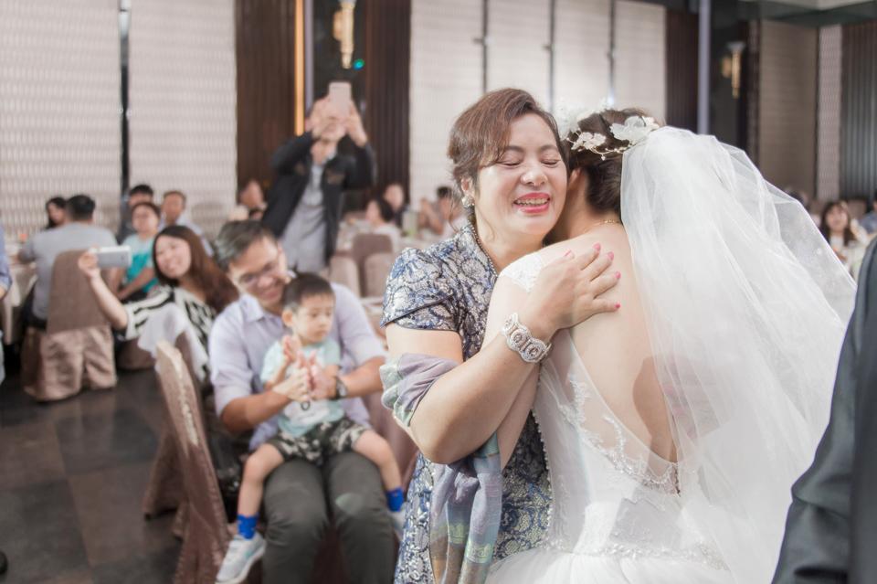 台南東東宴會式場 婚宴 走在幸福的紅毯上 R & B 112