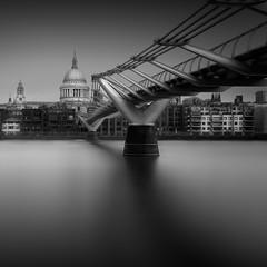 St Paul's and Millenium Bridge (david.travis) Tags: nd10 unitedkingdom city urbanphotography england london blackandwhite longexposure bw longexpo neutraldensity slowshutter