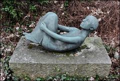 Gymnastics (Logris) Tags: skulptur sculpture figur old alt park
