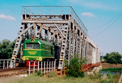 Südzufuhrbahn / Southern Feeder Railway: TU2-274 on the South Bug bridge west of Hajvoron (Paul-760) Tags: südzufuhrbahn southern feeder railway schmalspur narrow gauge ukraine ukrain oekraine smalspoor uz mps 750mm tu2 ty2