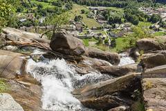 Prospettiva dall'alto della cascata dell'Acquafragia (cesco.pb) Tags: acquafraggia cascata valchiavenna valtellina lombardia lombardy canon canoneos60d tamronsp1750mmf28xrdiiivcld alps alpi montagna mountains