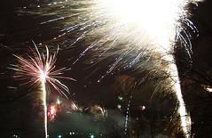 Happy New Year (_BSnake_) Tags: feuerwerk firework fireworks farmsen hamburg germany deutschland neues jahr neuesjahr 2019 2018 silvester silvesterhamburg raketen explision night color farben feuerwerkinhamburg