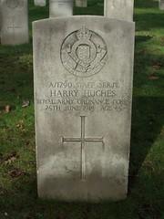 Staff Serjeant Harry Hughes (Living in Dorset) Tags: wargrave wardead grave headstone wwi aldershotmilitarycemetery aldershot hampshire england uk gb 1915 harryhughes