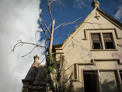Abandoned manor house (guido campi) Tags: d7100 tamronsp2470mmf28divcusd nervi