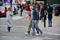 London 2018 – The Three Hooded Ones (Michiel2005) Tags: england engeland grootbrittannië greatbritain britain uk vk unitedkingdom verenigdkoninkrijk london londen man men hoody hoodie parliamentsquare