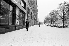 ANALOGUE: Fomopan 400s (ewitsoe) Tags: analouge blackandwhite warssaw warszawa winter erikwitsoe erikwitsoecom street city urban snow travel monochrome mono cold fomopan 400s nikonfm2 cityscape life living grain analogue analog film