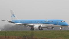 PH-EZK (S.G.J) Tags: lba leedsbradford airport plane aeroplane takeoff takingoff leeds bradford klm cityhopper phezk