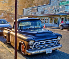 Primered Chevy (creepingvinesimages) Tags: htt chevy pickup 50s vintage primered customized outdoors newport oregon samsung galaxys9 pse14 topaz oregoncoast