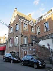 Brick house on Rue des Carmes, Namur, Belgium (Paul McClure DC) Tags: belgium belgique wallonie wallonia feb2018 namur namen ardennes historic architecture