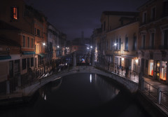 Venetian paths 149(Fonda. Minotto Santa Croce) (Maurizio Fecchio) Tags: venice venezia italia italy longexposure lights morning water street sunrise boats travel city cityscape architecture bridge canal nikon d7100 tranquility nopeople