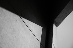 The Light (arin.hakopian) Tags: museum berlin germany deutschland wall wand light licht blackwhite schwarzweis einfarbig canon eos70d monochrom mono monochrome