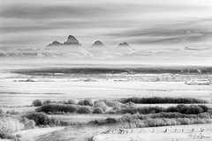 Teton Valley in White (RH Miller) Tags: rhmiller reedmiller landscape winter frost water tetonriver mountains tetons idaho usa