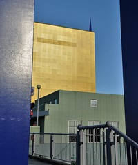 Perspective...HFF....on Explore (wilma HW61) Tags: perspectief perspective hff hek hekwerk fence clôture recinto zaun groningen groningermuseum architecture architectuur architettura architektur nederland niederlande netherlands nikond90 holland holanda paysbas paesibassi paísesbajos europa europe wilmahw61 wilmawesterhoud explore wow building wall