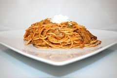 16 - Gyros spaghetti casserole with peas - Side view / Gyros Spaghetti Auflauf mit Erbsen - Seitenansicht (JaBB) Tags: spaghetti noodles nudeln gyros erbsen peas casserole auflauf food lunch dinner essen nahrung nahrungsmittel mittagessen abendessen kochen cooking